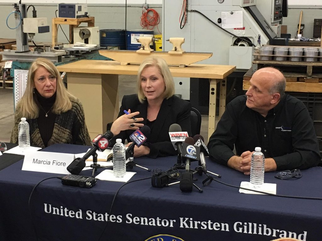 Senator Gillibrand holds a round table discussion at Niagara Gear about ESOPs